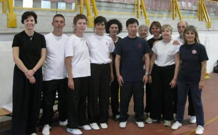 Allievi e insegnanti con il G. Maestro Yang Jun