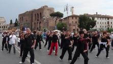 Flash Mob 2014, forma lunga a via dei fori imperiali. https://www.youtube.com/watch?v=F3ZhcsrAnN4&authuser=0